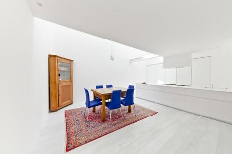 ultrarkitettura Loft White House: organische Architektur und gestaltetes Vakuum in Mestre