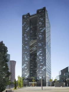 Ateliers Jean Nouvel RB Fira Hotel ph.Roland Halbe
