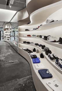 Snøhetta gestaltet den Concept Store von YME Universe in Oslo