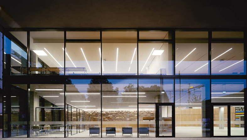 ausstellung zwischen innen und aussen wulf architekten in der architektur galerie berlin. Black Bedroom Furniture Sets. Home Design Ideas