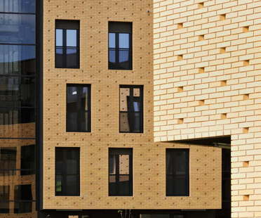 Dekleva Gregoric Architects brick neighbourhood, Slowenien