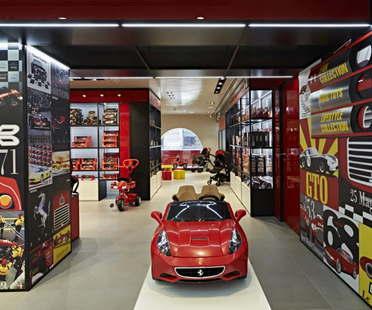 Massimo Iosa Ghini Ferrari Flagship Store Mailand