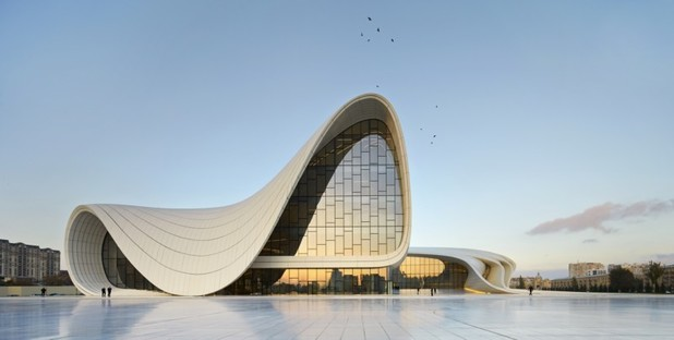Heydar Aliyev Center Baku photo by Hufton+Crow