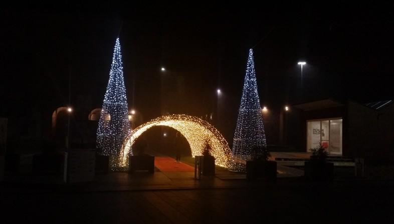 Lichtarchitekturen in winterlichen Städten