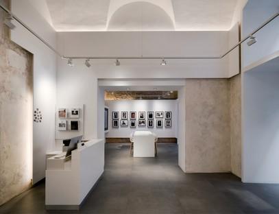DC10 ein flächiges Projekt für den Leica Store in Rom