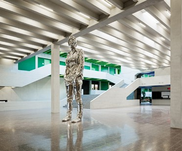 Ausstellung huggenbergerfries Form Follows Fiction in Berlin