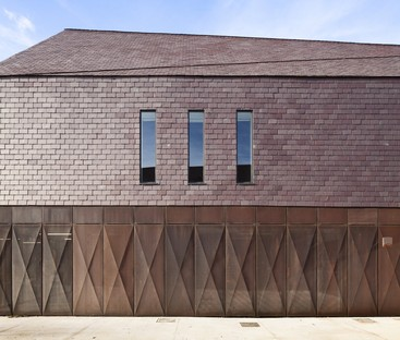Buch: Dans le pli d'un drapé - In the fold of a drape. Atelier d'architecture Vincent Parreira.
