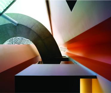Ausstellung Gitty Darugar Formes et Lumière in Paris