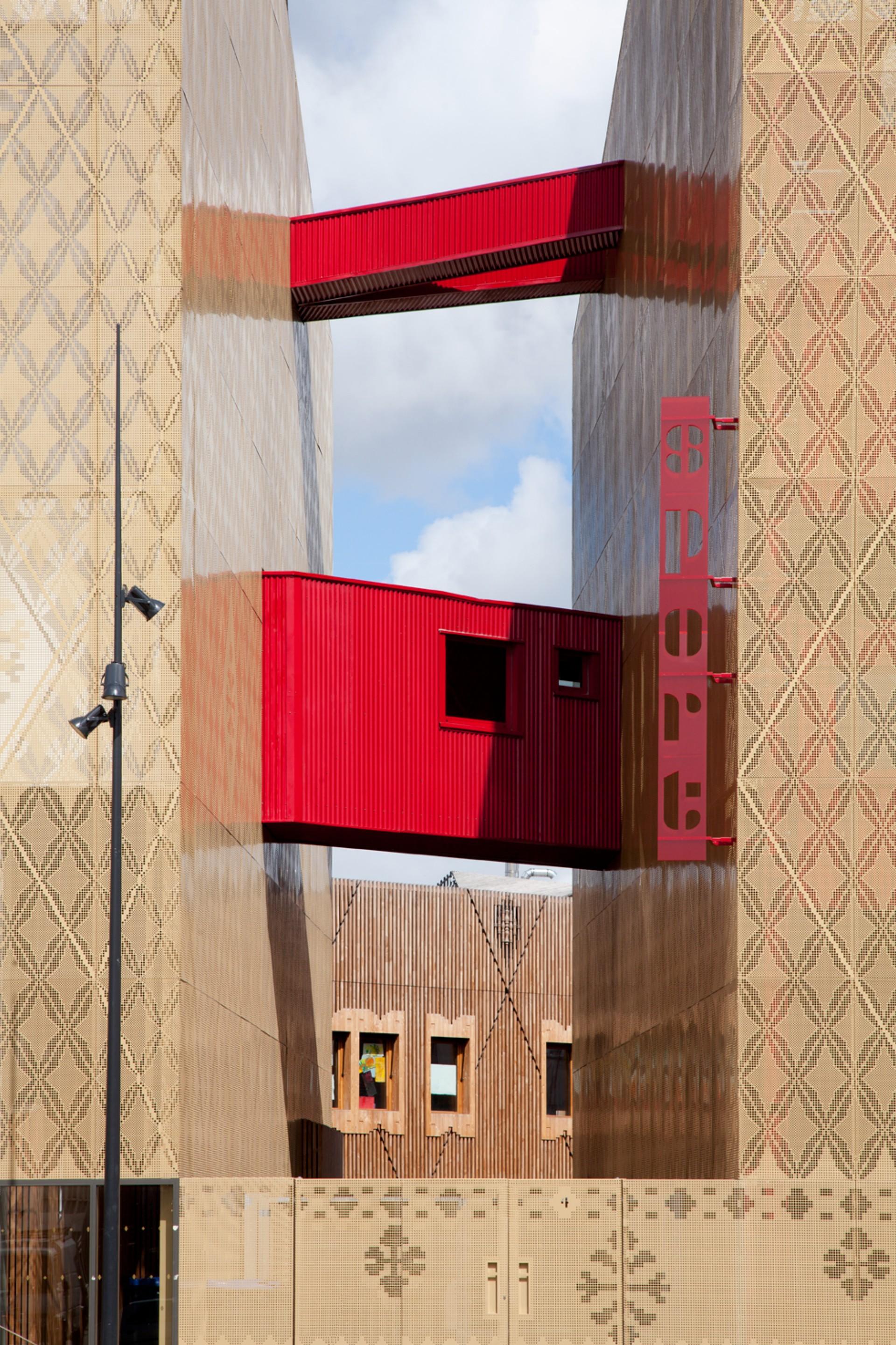 Atelier d'architecture Vincent Parreira übergemeindliches Schulzentrum Casarès-Doisneau in Saint Denis