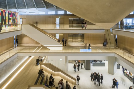 Das Design Museum von London hat den European Museum of the Year Award 2018 gewonnen