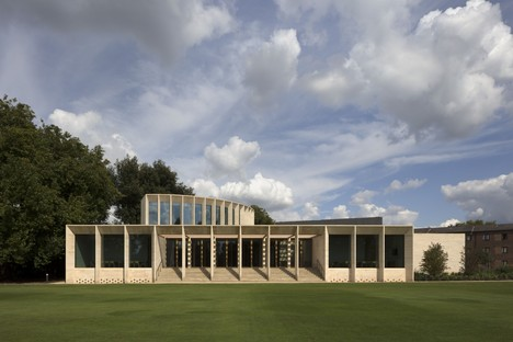 Niall McLaughlin Architects The Sultan Nazrin Shah Centre Oxford