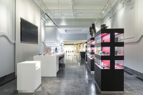 DC10 Architects Leica-Store in Mailand Turin Rom Porto