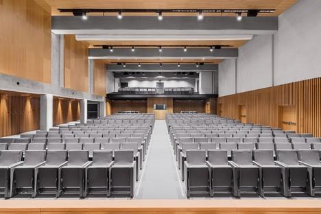 Studio Gemma und Alvisi Kirimoto neue Innenarchitektur der Aula Magna LUISS