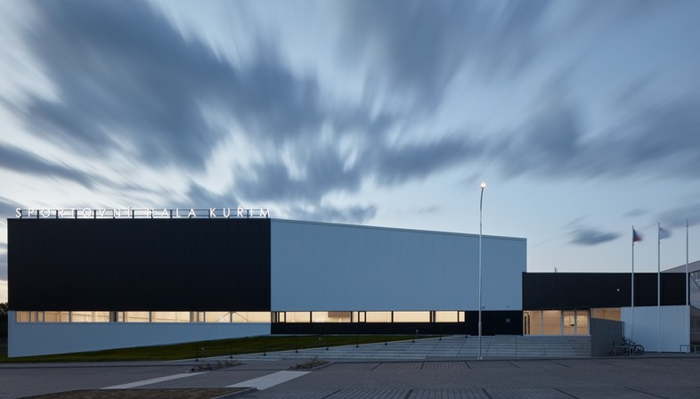Cuboid Architekti City Sports Hall in Kuřim Tschechien