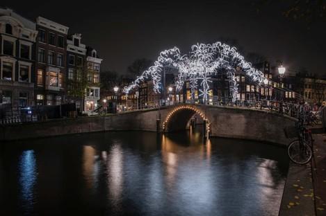 Kunstwerke und Lichtarchitekturen in Amsterdam, Montréal und Salerno