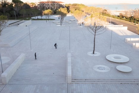 C+S Architects städtische Eingriff für die Piazza del Cinema, Lido di Venezia