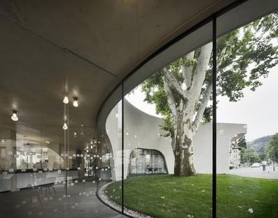 MoDusArchitects TreeHugger ein skulpturaler Baukörper für das Fremdenverkehrsamt von Brixen