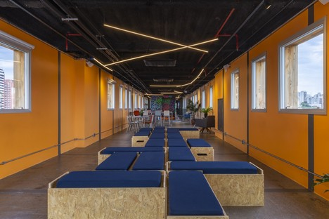 Superlimão Escola 42 Interior Design für eine Computerschule in Sao Paulo Brasilien