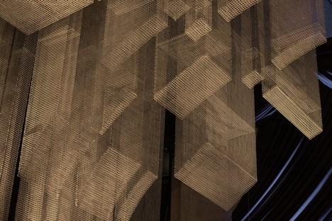 Skulptur von Tresoldi für Cathédrale - Moxy East Village Hotel Projekt von Rockwell Group