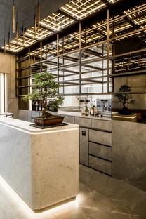 Maurizio Lai Architects interior design für AJI food delivery und take away
