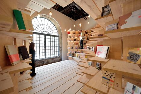 VERSCHOBENE EREIGNISSE: Die Webinare von Iris Ceramica Group Architektur kommunizieren, Tik Tok und Personal Branding
