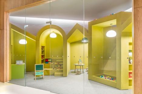 Ausstellungsraum NIO House von MVRDV mit einer Hommage an die Stadt Chongqing