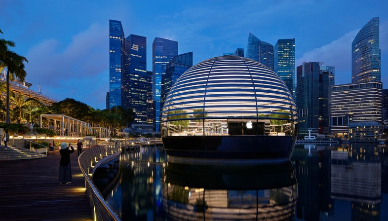 Foster and Partners Apple Marina Bay Sands in Singapur ein Store auf dem Wasser