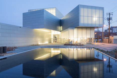 The Architects Series - A documentary on Steven Holl Architects in live streaming