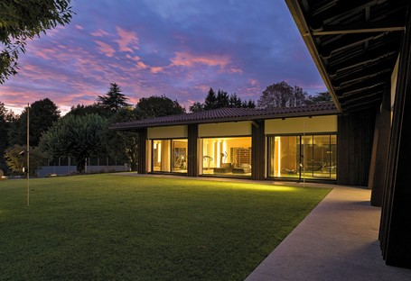 Federico Delrosso Villa Alce in Biella ein zeitgenössischer Raum im Grünen