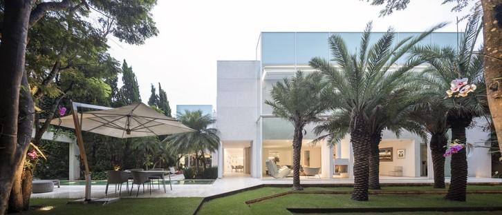 Fernanda Marques Arquitetos Associados Bucareste Privathaus in São Paulo
