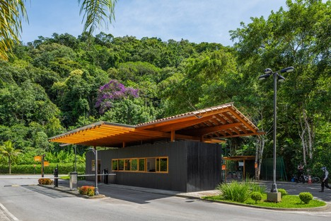 Reinach Mendonça Associated Architects neuer Eingang und Gesellschaftsraum Laranjeiras Condominium Rio de Janeiro