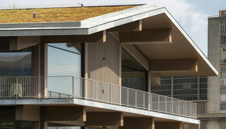 Floating Office Rotterdam, ein klimaadaptives Gebäude von Powerhouse Company