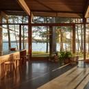 Atelier Pierre Thibault Ein zeitgenössisches Haus am Ufer des Sees Brome