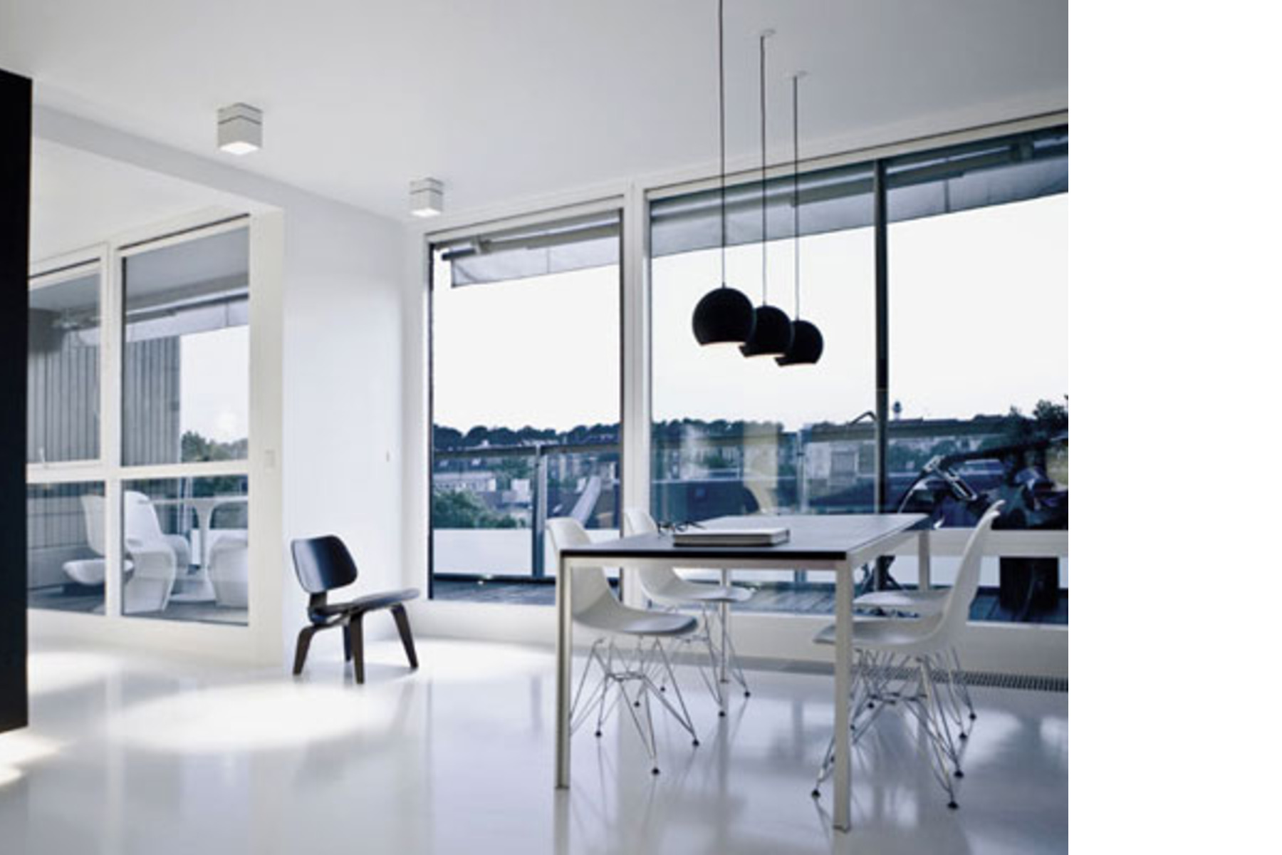 Schöne penthouse küche u stockfoto zveiger