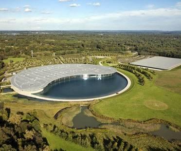 Foster, McLaren Production Centre