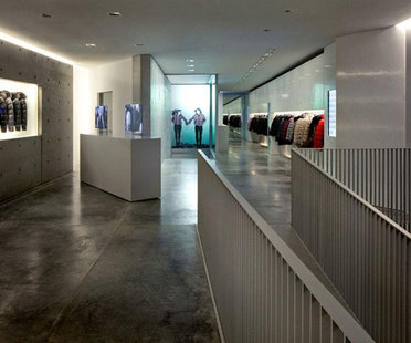 TADAO ANDO, Boutique und Showroom DUVETICA in MAILAND