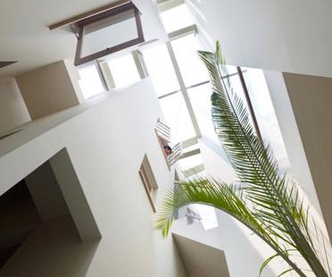 fujiwarramuro architects Wohnhaus in Goido