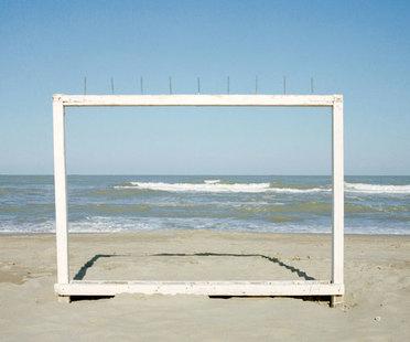 Ausstellung Luigi Ghirri. In Bildern denken – Wahrzeichen Landschaften Architekturen