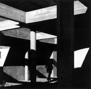 Ausstellung LUCIEN HERVÉ - Le Corbusier in Indien -