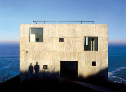 Mauricio Pezo & Sofia von Ellrichshausen, Poli House Chile