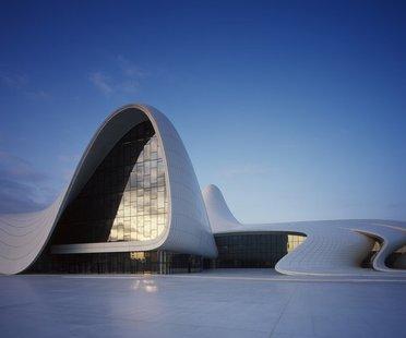 Das Heydar Aliyev Center von Zaha Hadid gewinnt den Preis Design of the year 2014