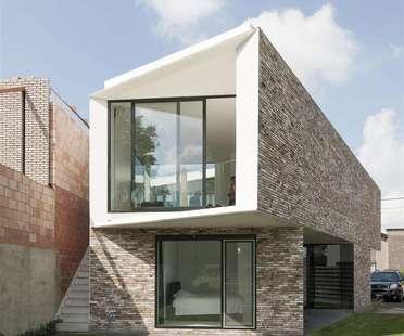 House K von Graux & Baeyens, ein Patio-Haus in Buggenhout (Belgien)