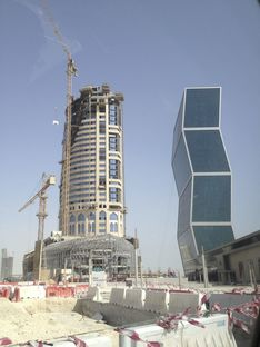 South West Architecture mit FMG für den Falcon Tower in Doha