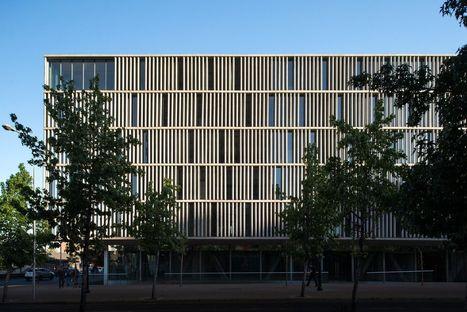 Undurraga Deves Arquitectos und die Büros Santa Ana in Santiago