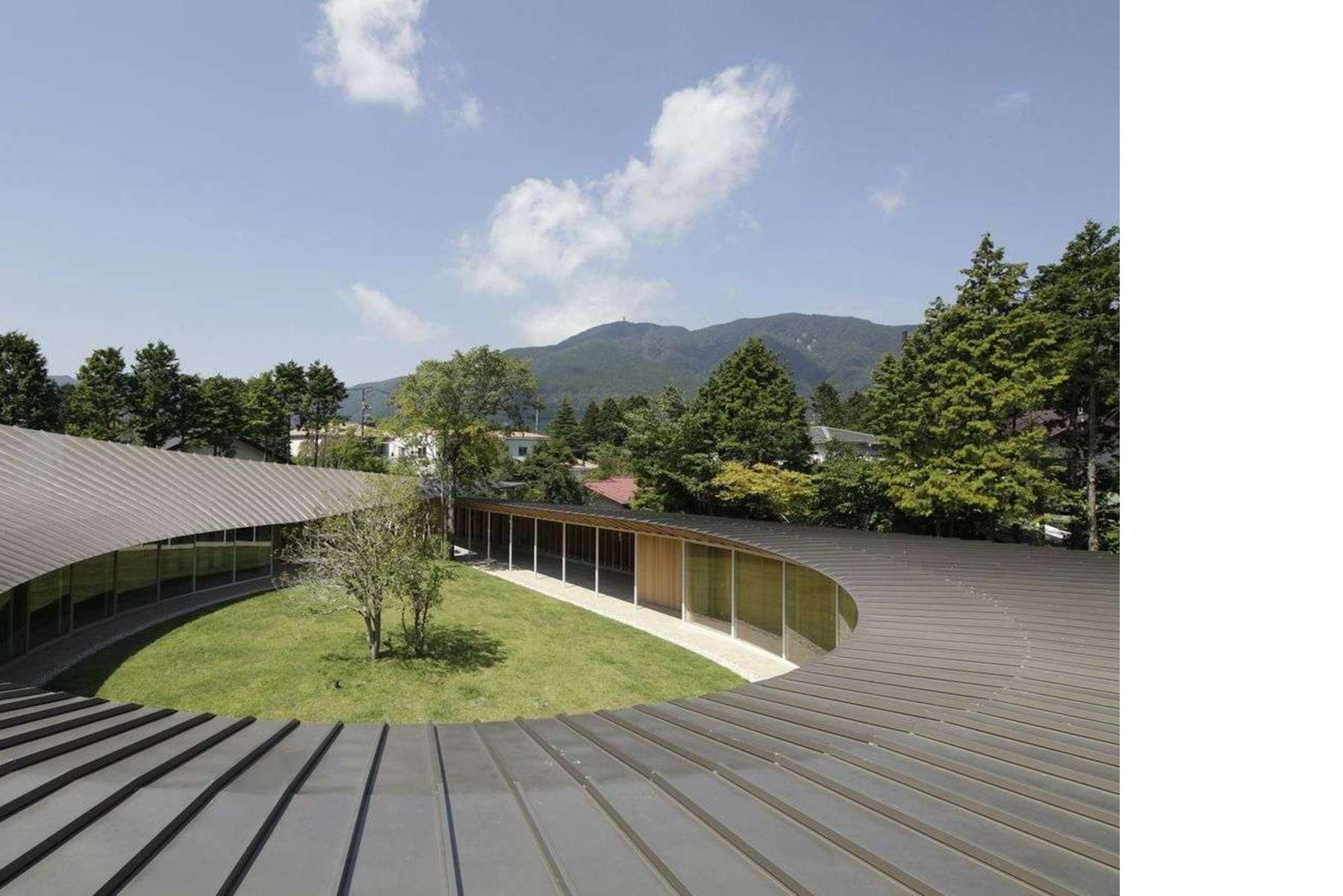 Sehenswuerdigkeiten in Japan: die Haeuser in der Stadt | Floornature