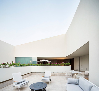 Wall House von AGi Architects in Khaldiya (Kuwait City)
