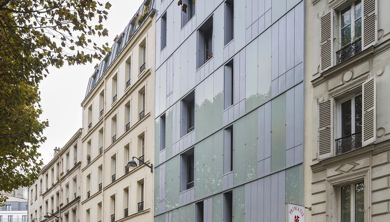 InSpace Architecture Paris: Sozialwohnungsbau und Familienzentrum