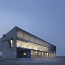 Vector Architects und die Seashore Library am Strand in China