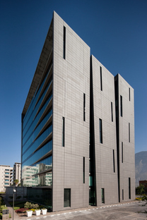 Torre San Pedro in Mexiko von RDLP Arquitectos