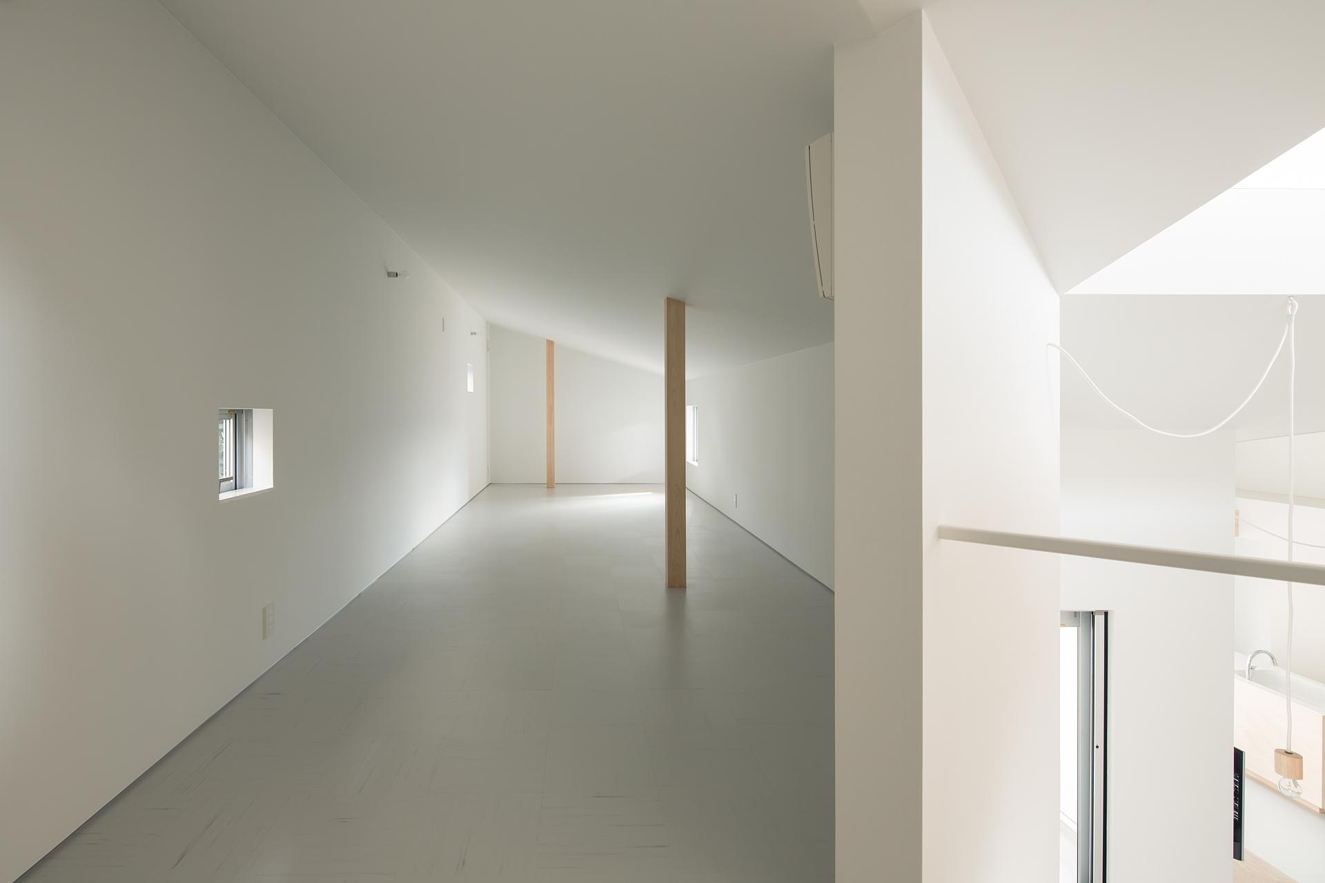 y+M design office und das Floating Roof House in Kobe